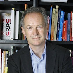 Waterstones boss calls to keep book stores open